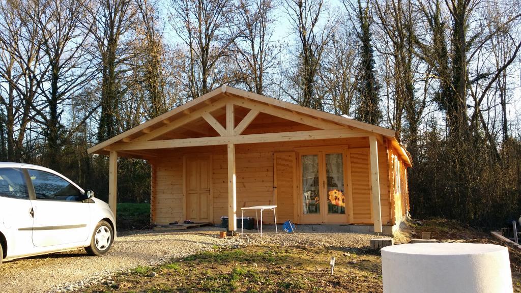 Chalet Moderne En Kit : Maison bois de m² avec une terrasse couverte