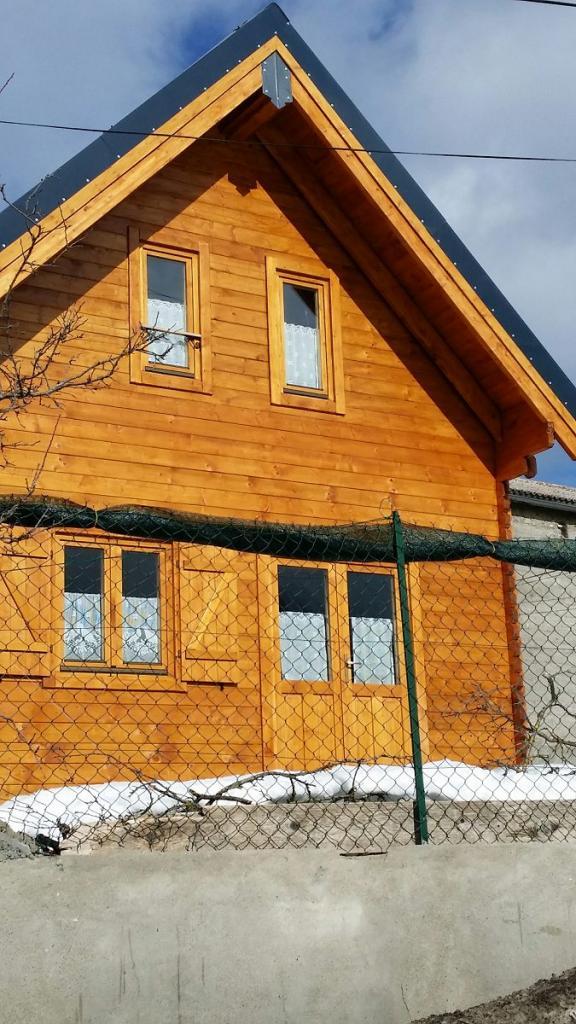 Chalet habitable de 42m2 avec mezzanine en bois en kit for Chalet en bois avec mezzanine