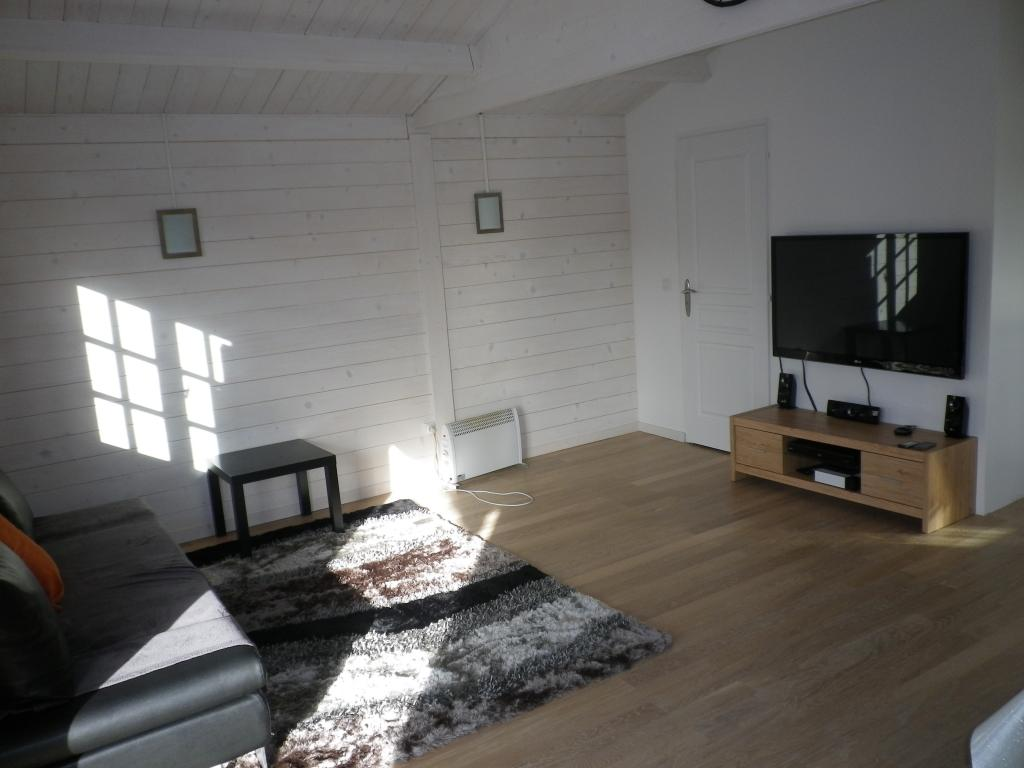 chalet de loisirs annecy 30m en bois en kit. Black Bedroom Furniture Sets. Home Design Ideas