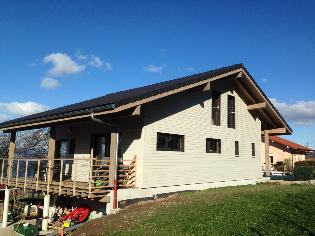 Maison ossature bois rh ne alpes en bois en kit for Catalogue construction maison