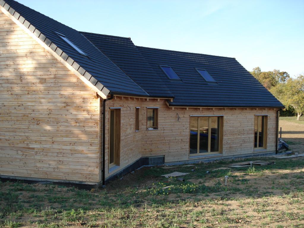 maison ossature bois maison bois 77 en bois en kit. Black Bedroom Furniture Sets. Home Design Ideas