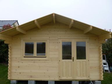chalets habitables en bois en kit sans permis de construire. Black Bedroom Furniture Sets. Home Design Ideas