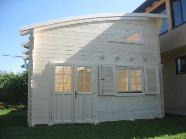 Construction de chalets en bois en kits for Construction chalet vosges tarif