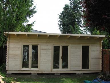 Maisons de jardin avec ossature bois cl en main for Bureau de jardin en bois