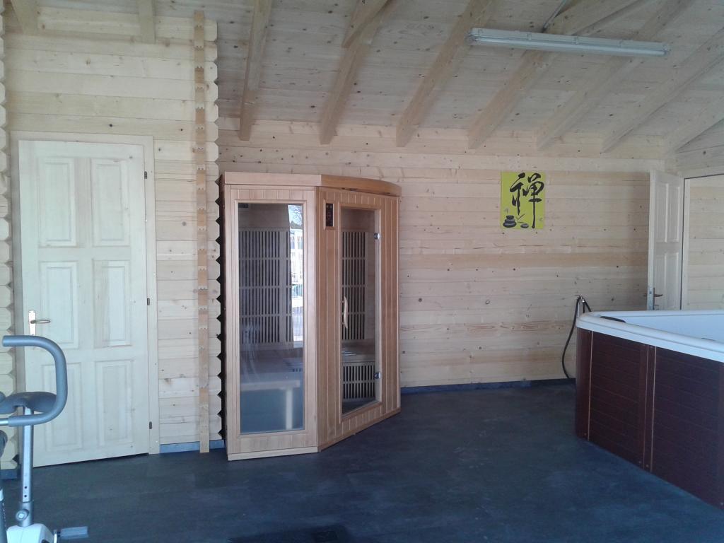 chalet habitable de 66 m en bois en kit. Black Bedroom Furniture Sets. Home Design Ideas