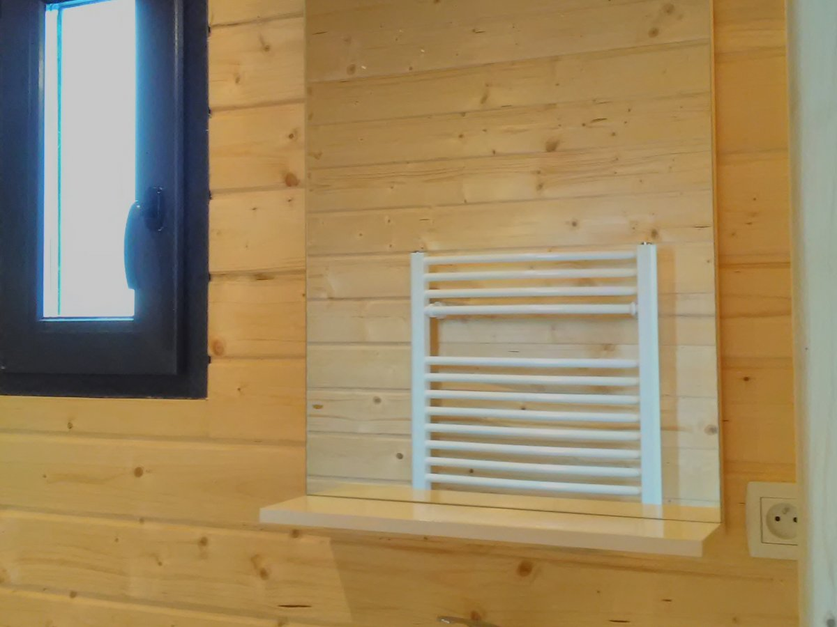 Salle de bain quip e et meubl e avec cloisons incluses - Salle de bain equipee ...