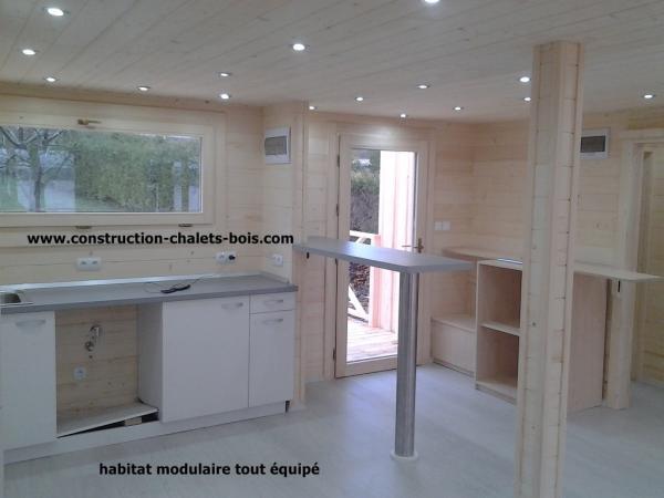 Construction de chalets en bois en kits for Habitat modulaire bois